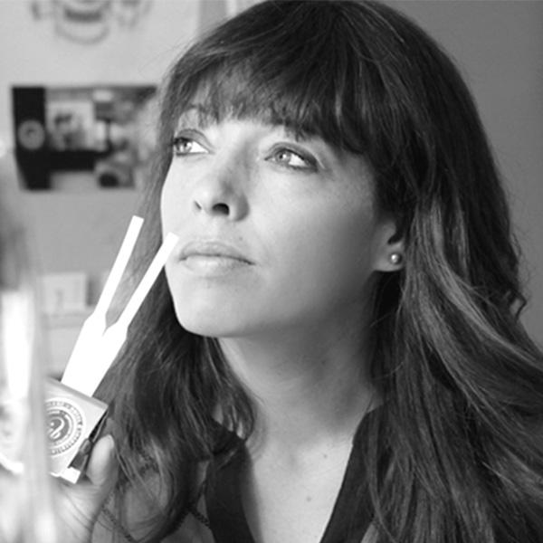 Alexandra Bachand | Fleurs d'Armes - Une exposition artisitique itinérante | www.fleursdarmes.ca